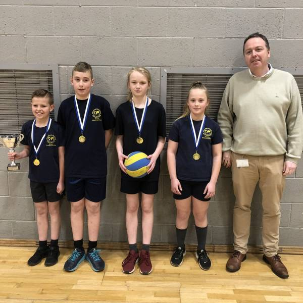 Dowson win Gold in Volleyball!